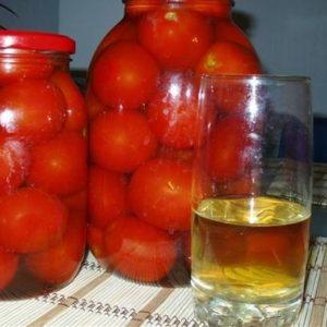 помидоры в яблочном соке