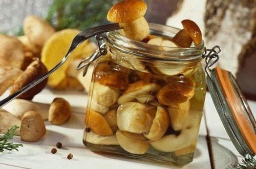 грибы маринованные с чесноком