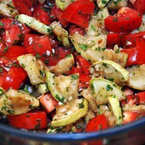 цукини с помидорами и чесноком