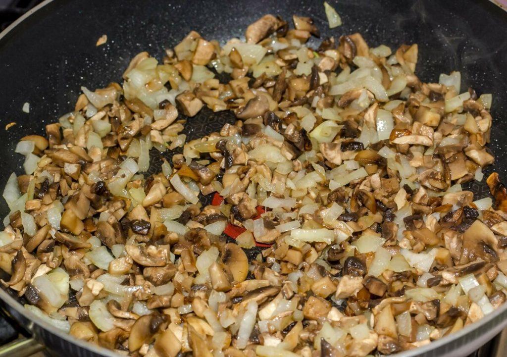 Яйца фаршированные грибами - грибной фарш