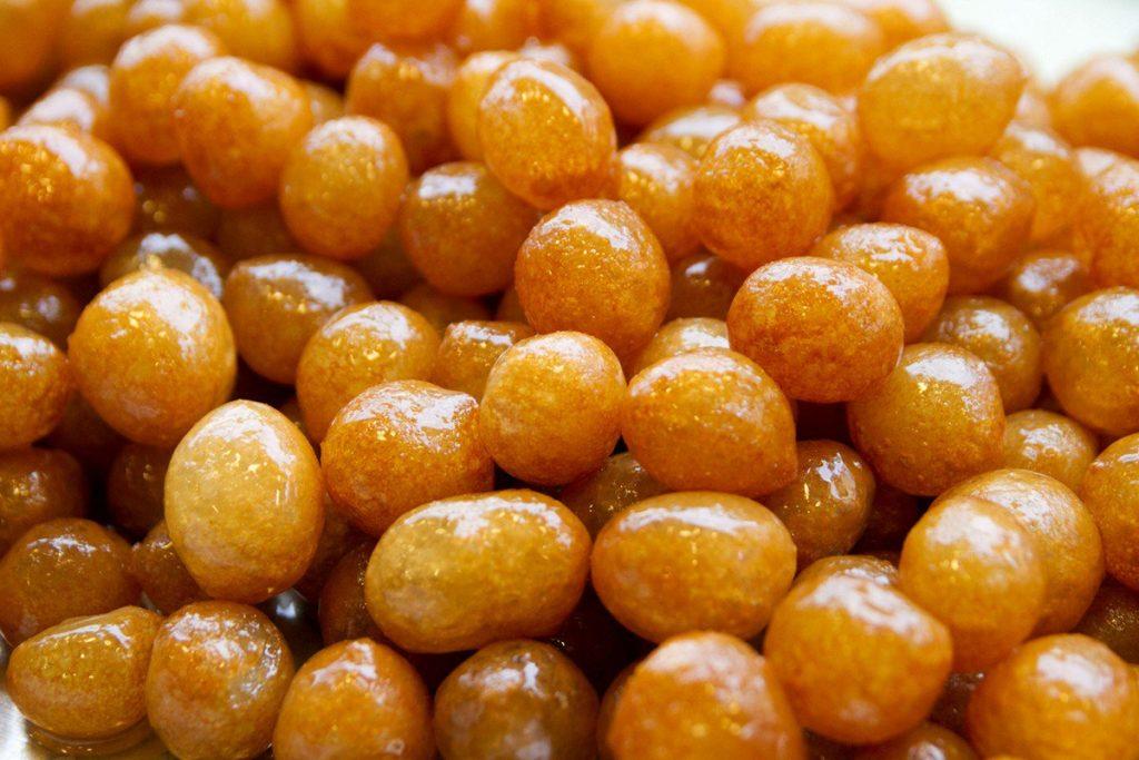 кумела - сладкие шарики из пшеницы
