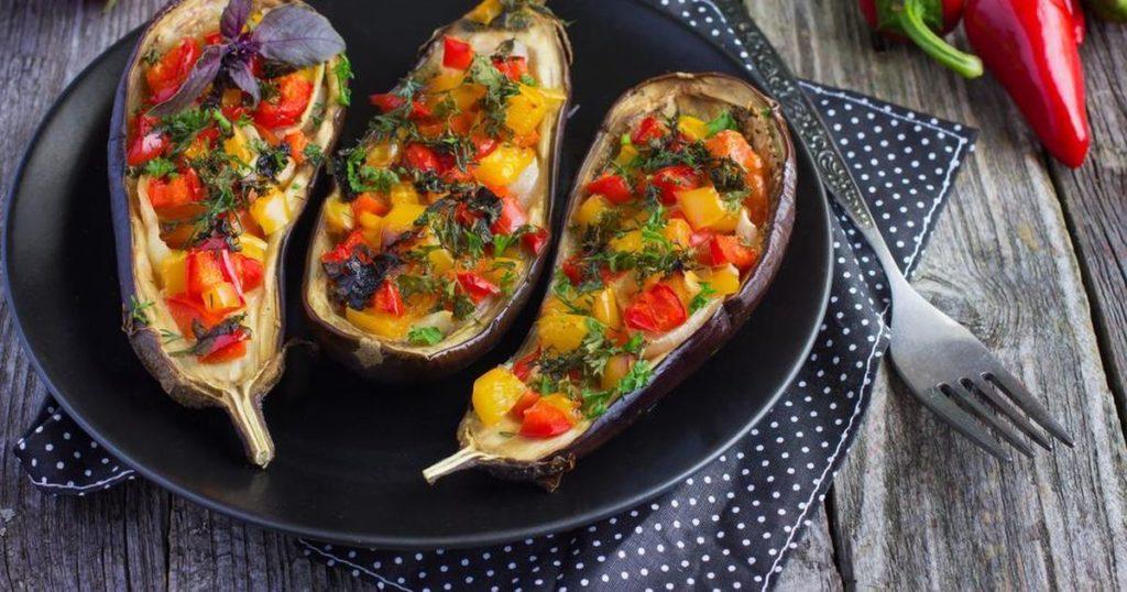 баклажаны с запеченными овощами в духовке