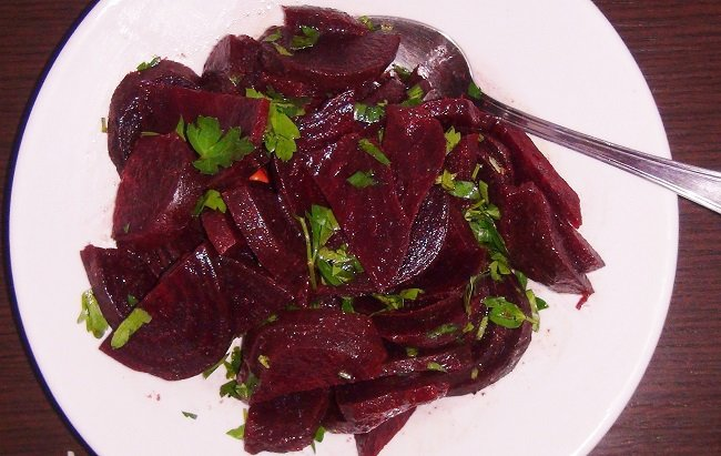 вкусный салат из свеклы