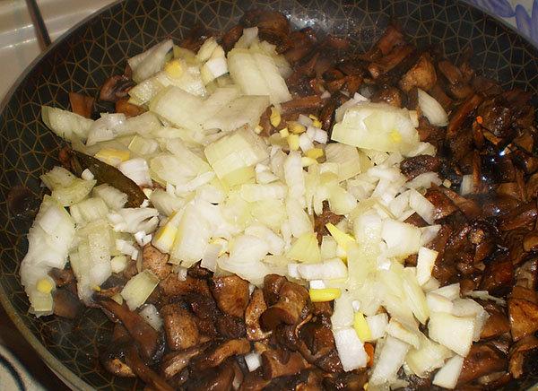 жаркое из грибов с сыром