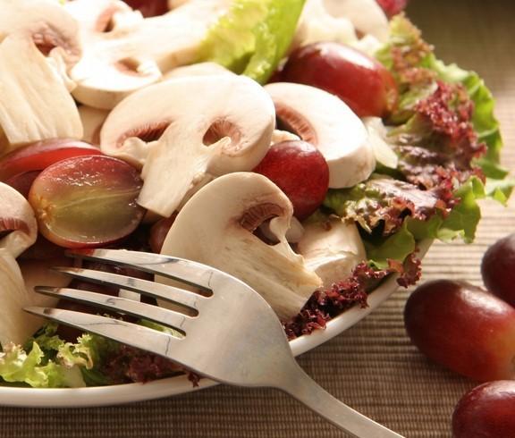 салат с вареными грибами