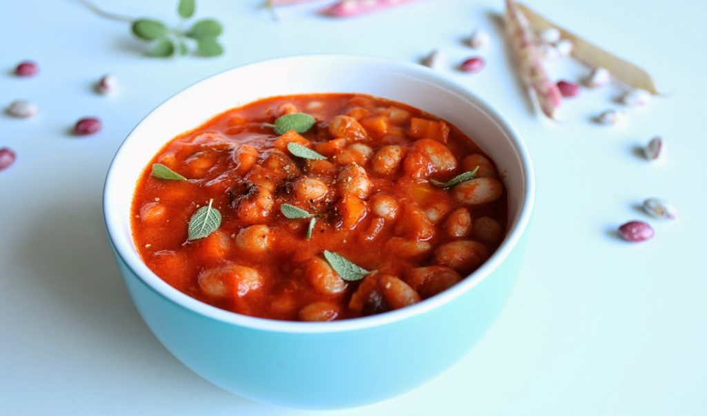 красная фасоль с томатной пастой