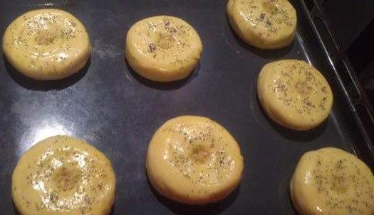 дрожжевые булочки с начинкой в духовке