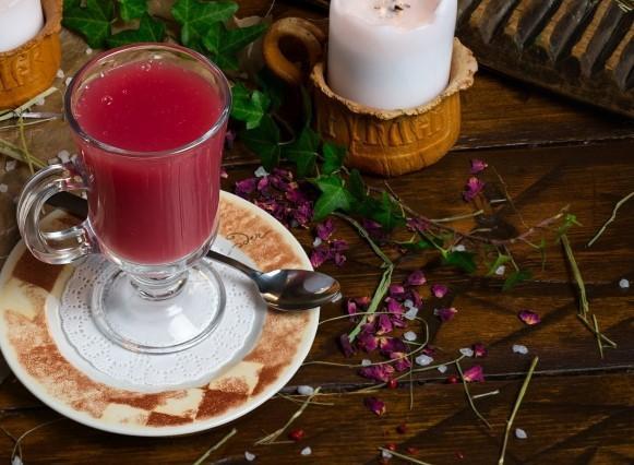 медовый сбитень с малиновым соком